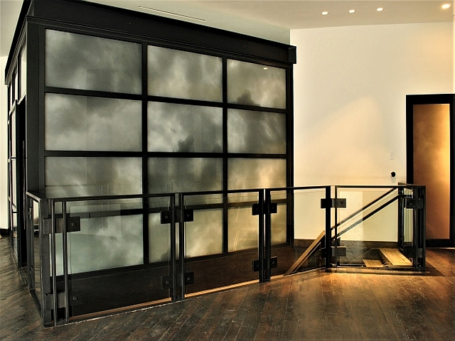 Steel & Glass Panel Staircase Guardrail
